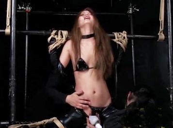 ★拷問★捕らわれたギャル捜査官が鬼畜調教に理性崩壊♥くすぐり地獄&マニアックな膣奥責めで絶頂アヘ顔止まらない!!