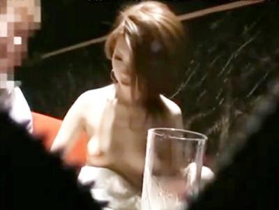 ギャルキャバ嬢とこっそりセックス♥店にバレないようにドレスを脱いで即ハメ!!白の美巨乳をプルプル揺らしてイッちゃいます