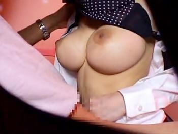 巨乳JKと本番が出来ると噂の裏風俗店に潜入!パイズリ・フェラから対面座位で勃起チンコ挿入!JKとのガチセックスを隠し撮り!