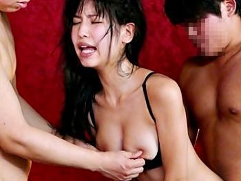 「やばい!あぁ~イックぅ~!」徹底的に乳首攻め!乳首コリコリ…マンコに入れても乳首責め!アヘ顔連発乳首イキ!