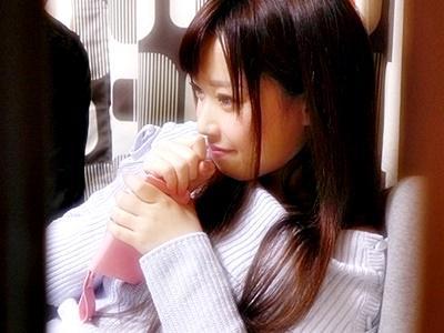 【オナクラ】人気NO.1嬢をあの手この手で口説き落とし、超リアル隠し撮り大性交!しかも生中出し!