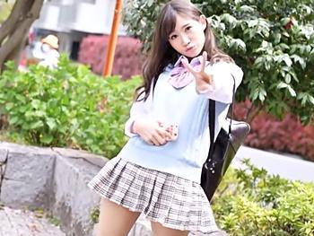 『アッ!気持ちいい♡』You〇ubeのカリスマ制服美少女とアポ取り付けてハメ撮りぃ~‼チンコの勃起が止まらない!