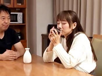 《初川みなみ》『おチンポ見たい……』撮影で日本酒を飲み過ぎて…泥酔