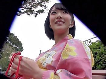 《ナンパ》温泉ソムリエの美少女のタオル1枚姿の自我撮り動画に魅せられて計画的ナンパ決行!超過敏体質で…キスでヌレヌレ!