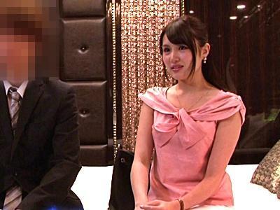 終電逃した女上司と男部下、「気持ちいいね♡」ラブホでの取材取材は、女性が積極的に跨り本番ゲームでした!