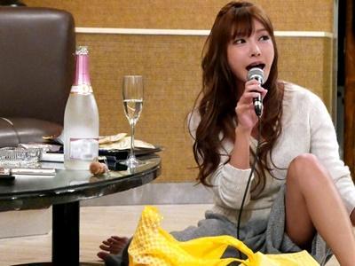 【明日花キララ】「ヤバいよ、きーたん」打ち上げ二次会のホテルへ男優さんを呼び出し、リアル乱交!!