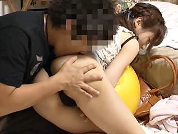 【熟女ナンパ】イケメンが人妻口説いて部屋に連れ込み、拒否りながらも股を開き中出しされる不倫妻とのセックスを隠し撮り!