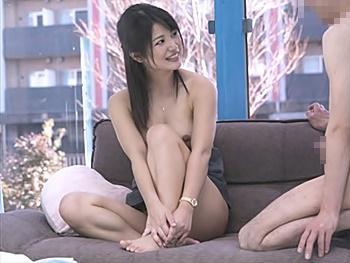 《MM号》綺麗な女上役と普通の男部下が互いに自慰行為を見せ合うと…恥ずかしさと興奮が入り乱れ、禁断のセックス突入!!