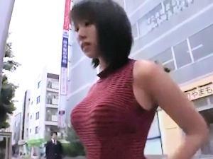 『ハァハァ…』巨乳でミニスカ太ももにプリプリの尻があまりにも工口い姉ちゃんが満員バスに乗り込んだのでチカンして犯したった