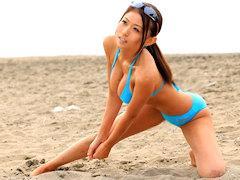 ルックス最高でボインなビーチバレーアスリート奥さんの水着の隙間からチンコぶち込んだったら締まり良すぎてどっぴゅどぴゅ