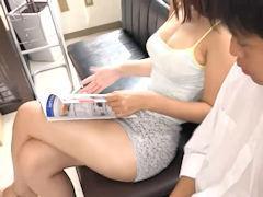 「ハァハァ‥すげぇ」病院の待合室で隣に座ってる巨乳なお姉さんの生足太腿が工口すぎてチンコ勃ってきたので硬くなったマラを露出させて・・・