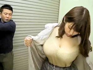 【で、デカすぎぃっ!!】思わず2度見しちゃうほど超乳な娘にムラムラしちゃったので欲望のままパイズリ生姦無許可で膣内射精