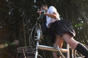 自転車のサドルに媚薬を塗ったら「サドルオナニー」をし始めたJK