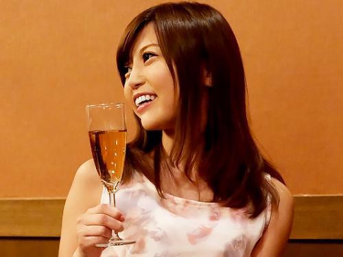 『はぁん、気持ちいい♥♥』激カワなスレンダー美少女が、引退でノンストップSEXパーティーでずっ~とハメっぱなし!