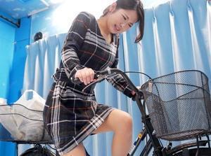 『あん、気持ちいい♥♥』スレンダーな上品な人妻が、初めてのアクメ自転車体験でマジイキ絶頂!!