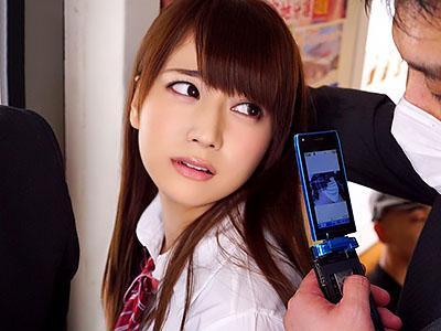 『今日も混んでるなぁ~~♡♡』激カワな美少女JKが満員電車で、おじさんにねっとり痴漢される!!