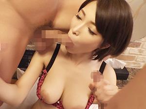 『おちんちん、美味しい♥♥』スレンダー巨乳の女教師が沢山のチンポをフェラ!!