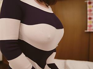 『僕のこと誘惑してましたよね..!!』巨乳のノーブラ女性が男を無意識に誘惑してしまい襲われる!!