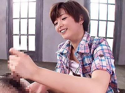 『ほら、チンポ勃起してきた♥♥』激カワロリ美少女が、すぐにチンポを勃起させる凄テク持ちでチンポしごきまくるww