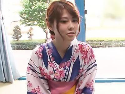 『久しぶりの休みなので♥♥』花火大会へ向かう女子大生と野球拳からエッチしちゃう!!