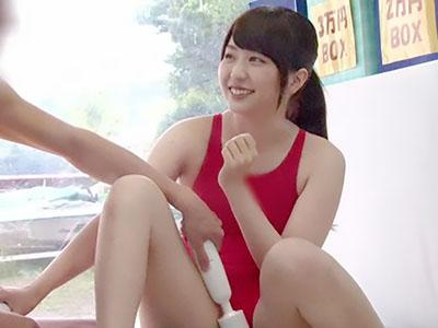 『やだぁ、恥ずかしい♥♥』激カワな水泳部の男女がエッチなミッションに挑戦で、合宿中でムラムラした二人はエッチするww