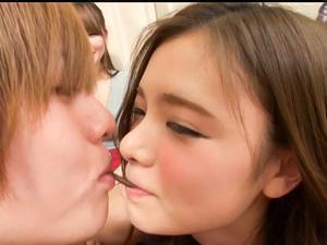 『やだぁ、恥ずかしい♡♡』ホロ酔い極上女子大生たちと王様ゲームから乱交SEX!!