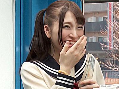 【素人ナンパ企画】『えっ、オナニーですか?』激カワ美少女JKをナンパしてマジオナニーを見せてもらいました!!
