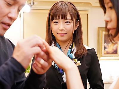 『何でも相談してくださいね♥♥』ウエディングプランナーが新郎の指をペロペロで誘惑して、チンポをおしゃぶり!!