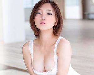 『おっぱい、でけぇぇww』激カワお姉さんはドMで、冒頭から発情メス犬モード全開でハードに責められる!!