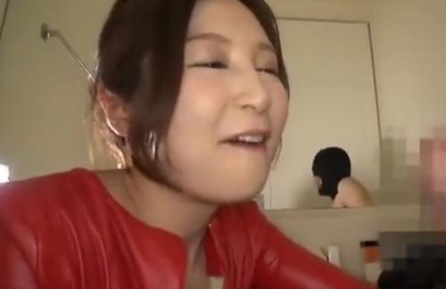 ねっとりフェラで男のチン○を弄ぶ美人痴女佐々木あきお姉さまがエロ過ぎです