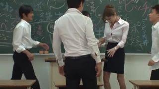 【荒木レナ】ニューハーフ教師が教室で生徒に襲われる