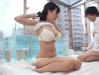 《MM号》「うおぉ~っ、神乳」巨乳JDと男友達がお風呂混浴ミッションでローションプレイから友情崩壊気持ちいいセックス!!