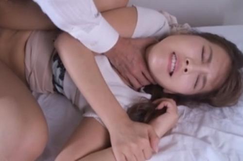 【三上悠亜】イヤ~!襲わないで~!!弱みを知られた美人女教師が強制レイプの罠にハマる!