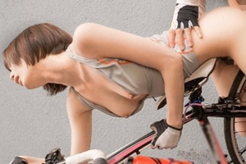 ★鈴村あいり★野外だから恥ずかしいのに感じちゃう~♡スポーツ系美少女が無理やり羞恥の絶頂!