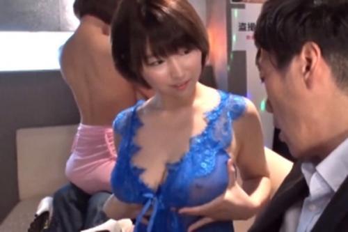 ★過激おっパブ★『すっごいオッパイでしょ~?触ってみます~?♡』超弾力ぷるんぷるん!神乳サービスって最高だよね~!