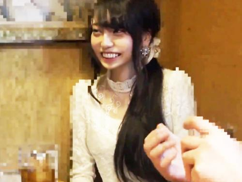 <素人ナンパ>完全SSSランクな関西弁の女子大生2人を捕獲!!鬼ピストンで逝かされる大阪の美少女ハメ撮り<ナイスバディ>