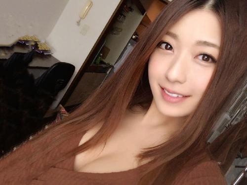 <膣内射精>グラビアアイドル以上のナイスバディ&韓国アイドルみたいな美少女!ヤリ部屋でゴム無し中出しw<素人ナンパ企画>