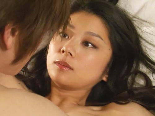 <小池栄子>「あらわになった神おっぱい!美爆乳でっけえぇぇww」ロケット超乳がエッチ過ぎるドラマの濡れ場<ナイスバディ>