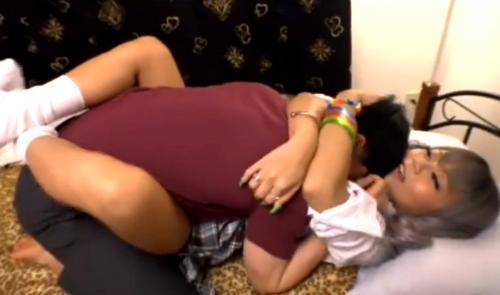 黒ギャル女子校生な妹が寝ている隙に悪戯したらだいしゅきホールドされて種付けSEX!