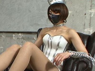 西日暮里ビザールクリニックの足コキ世界NO1女王スージーQがM男を徹底的に誘惑!美脚お姉さん!脚フェチ!